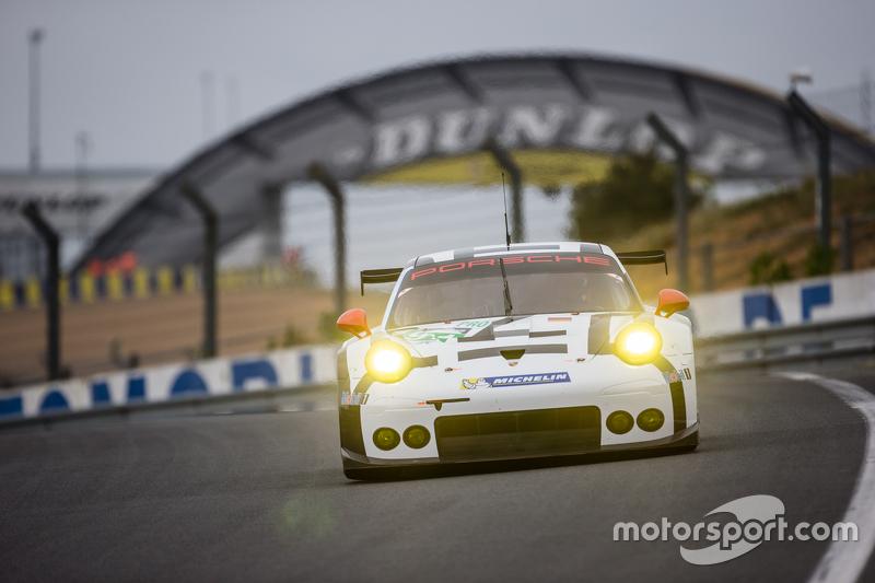 #91 Porsche Team Manthey, Porsche 911 RSR: Richard Lietz, Jörg Bergmeister, Michael Christensen, Sven Müller