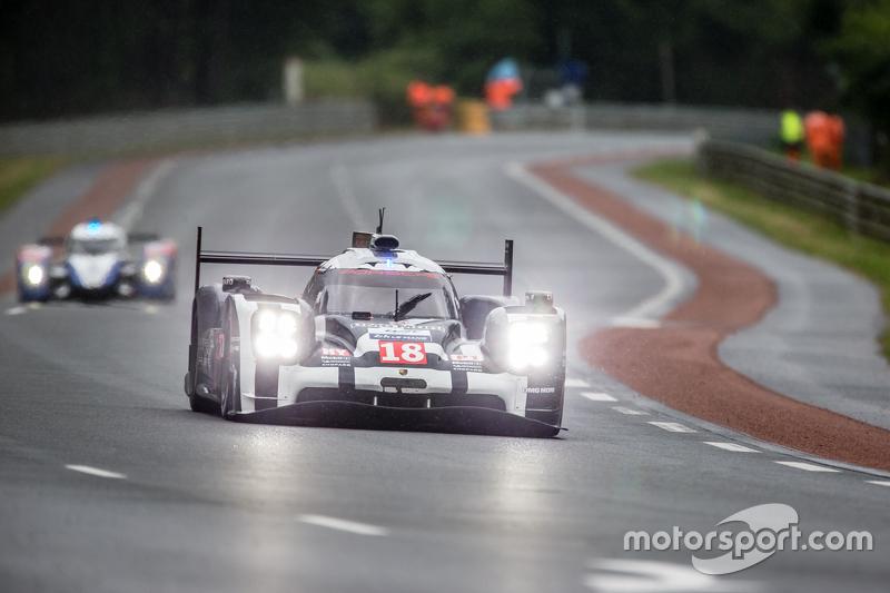#18 Porsche Team, Porsche 919 Hybrid: Romain Dumas, Neel Jani, Marc Lieb, Frédéric Makowiecki