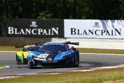 #54 Attempto Racing, McLaren 650S GT3: Nicolas Armindo, Philipp Wlazik