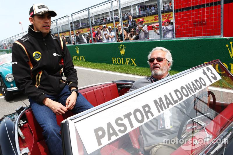 Pastor Maldonado, Lotus F1 Team, bei der Fahrerparade