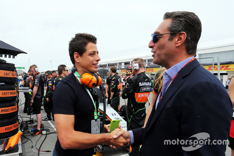 Javier Hernandez, Manchester Utd Football Player on the grid with Carlos Slim Domit, Chairman of America Movil and the Sahara Force India F1 Team