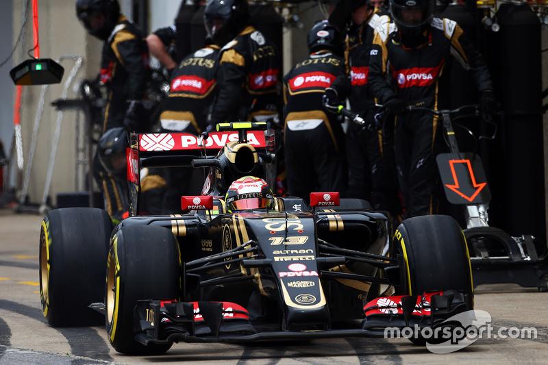 Пастор Мальдонадо, Lotus F1 E23 робить піт-стоп