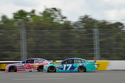 Austin Dillon, Richard Childress Racing Chevrolet y Ricky Stenhouse Jr., Roush Fenway Ford