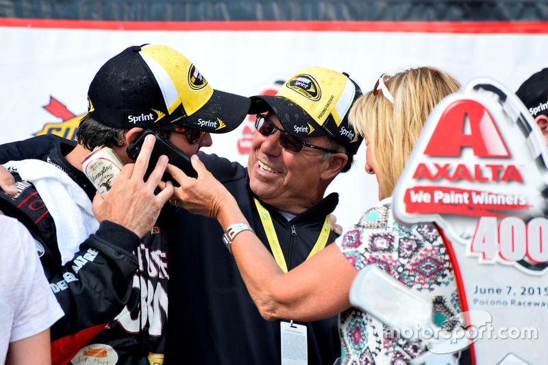 Pemenang balapan: Martin Truex Jr.: Furniture Row Racing Chevrolet