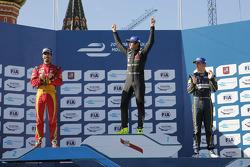 Podium: 1. Nelson Piquet jr.; 2. Lucas di Grassi, und 3. Sébastien Buemi