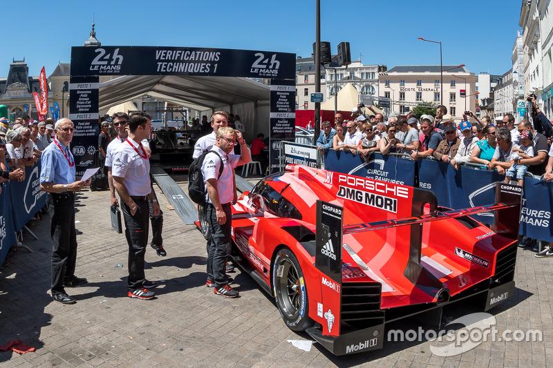 #17 Porsche Team, Porsche 919 Hybrid bei der Technischen Abnahme