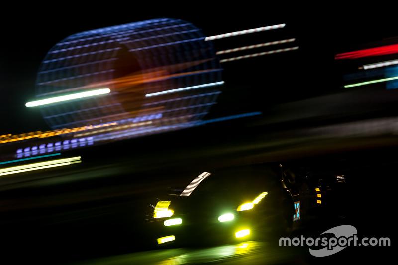 #72 SMP Racing Ferrari 458 GTE: Андреа Бертоліні, Віктор Шайтар, Олексій Басов