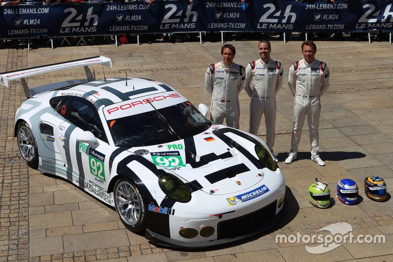92 Porsche Team Manthey Porsche 911 Rsr Frdric Makowiecki