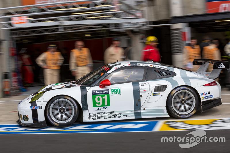 #91 Porsche Team, Manthey Porsche 911 RSR: Richard Lietz, Jörg Bergmeister, Michael Christensen