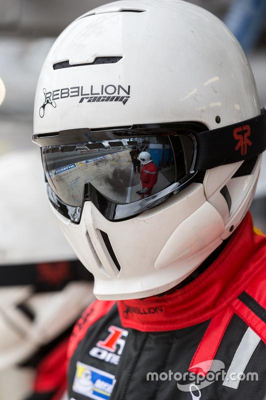 Kru pit Rebellion Racing