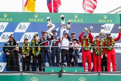 LMGT Am podium: class winners #72 SMP Racing Ferrari 458 GTE: Andrea Bertolini, Viktor Shaitar, Alexey Basov with SMP owner Boris Rotenberg, second place #77 Dempsey Proton Competition Porsche 911 RSR: Patrick Dempsey, Patrick Long, Marco Seefried, third