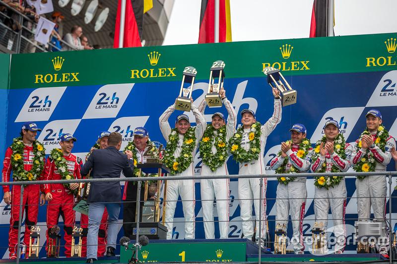 LMP1 podium: class and overall winners Porsche Team: Nico Hulkenberg, Nick Tandy, Earl Bamber, second place Porsche Team: Timo Bernhard, Mark Webber, Brendon Hartley, third place Audi Sport Team Joest Audi R18 e-tron quattro: Marcel Fässler, Andre Lotterer