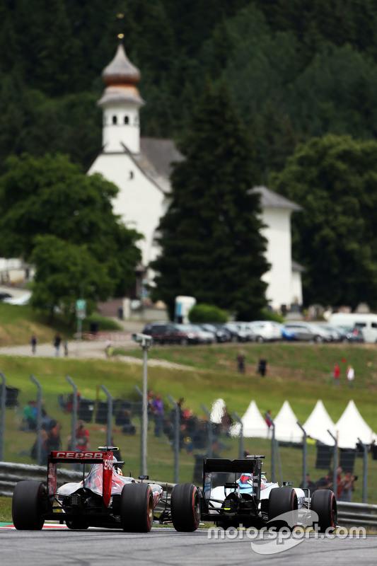 Felipe Massa, Williams FW37, vor Carlos Sainz jr., Scuderia Toro Rosso STR10