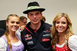 Макс Ферстаппен, Scuderia Toro Rosso и девушки формулы один