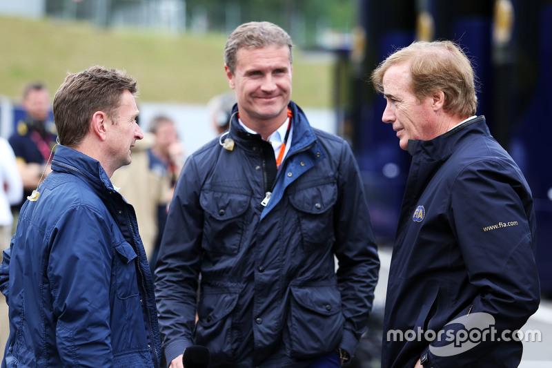 Allan McNish, BBC-Experte, mit David Coulthard, Berater bei Red Bull Racing und Scuderia Toro/BBC-Kommentator, und Danny Sullivan, FIA-Steward