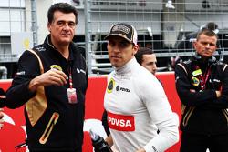 Pastor Maldonado, Lotus F1 Team com Federico Gastaldi, diretor da Lotus F1 Team no grid