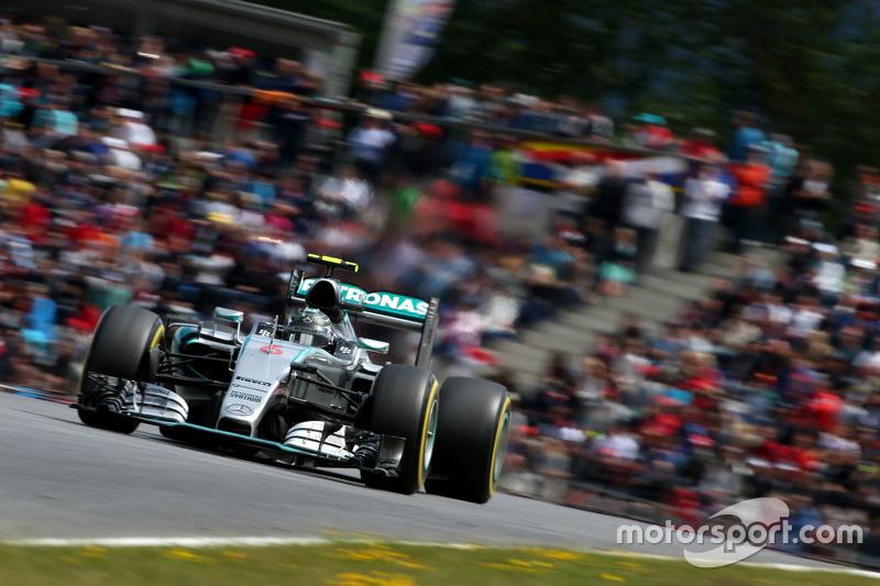 Rosberg, al frente en vueltas lideradas