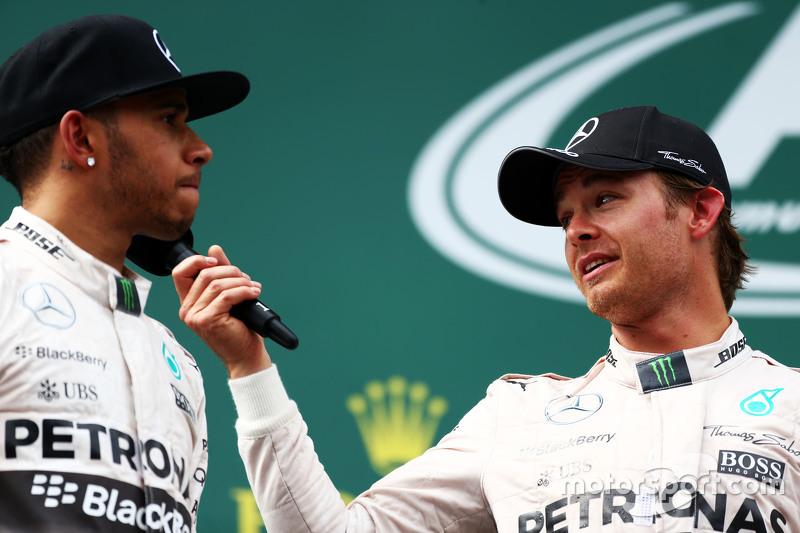 Podium: 2. Lewis Hamilton, Mercedes AMG F1, mit 1. Nico Rosberg, Mercedes AMG F1