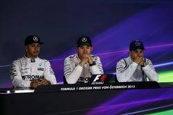 Konferensi Pers FIA pasca-balapan,: Lewis Hamilton, Mercedes AMG F1, second; Nico Rosberg, Mercedes