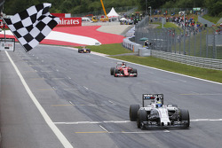 Felipe Massa, Williams FW37 takes third place