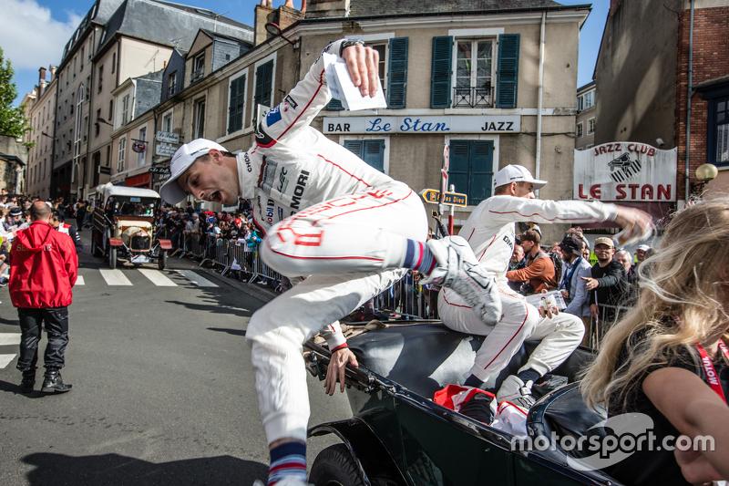#19 Porsche Team, Porsche 919 Hybrid: Earl Bamber
