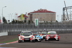 Gianni Morbidelli, Honda Civic TCR, West Coast Racing and Michel Nykjaer, SEAT Leon, Target Competition and Aleksey Dudukalo, SEAT Leon, Craft Bamboo Racing Lukoil