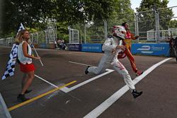 Fabio Leimer, Virgin Racing, und Lucas di Grassi, Audi Sport Team ABT