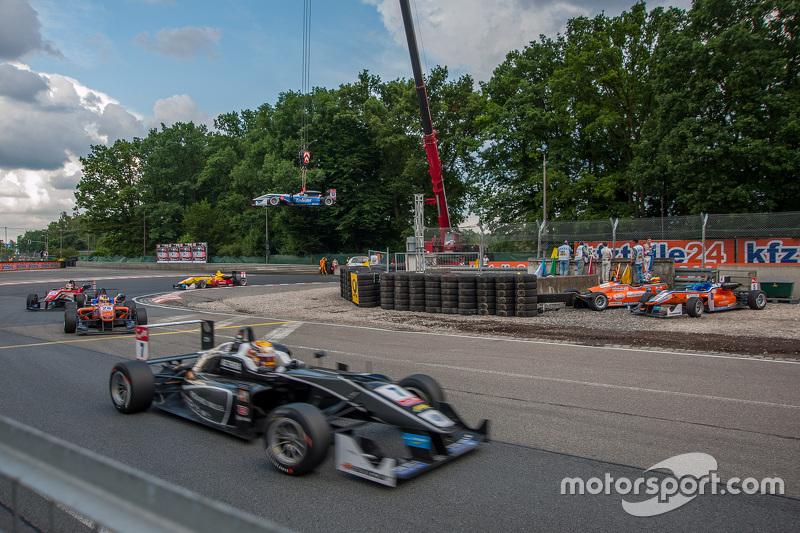 Charles Leclerc, Van Amersfoort Racing Dallara Volkswagen; Pietro Fittipaldi, Fortec Motorsports Dal