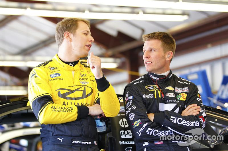 Brad Keselowski, Team Penske Ford dan Jamie McMurray, Chip Ganassi Racing Chevrolet