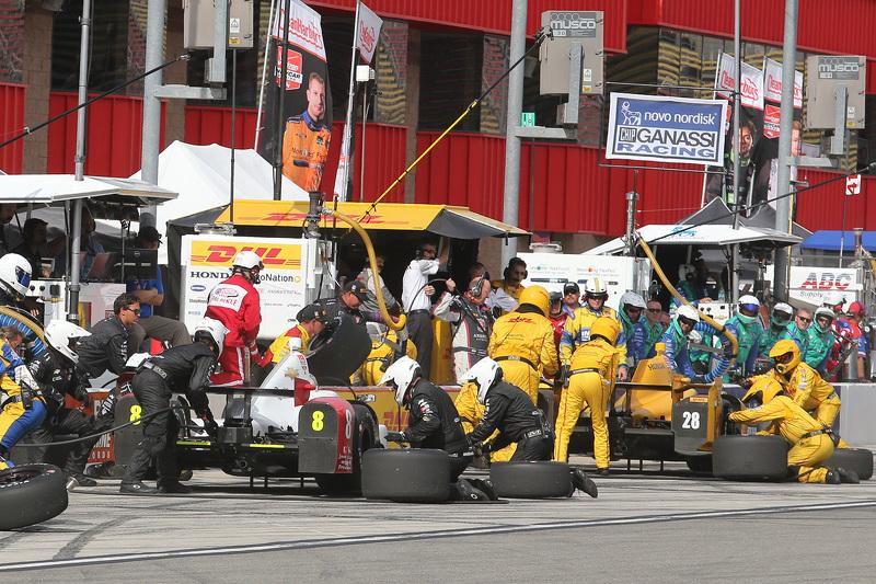 Sage Karam, Chip Ganassi Racing Chevrolet, dan Ryan Hunter-Reay, Andretti Autosport Honda