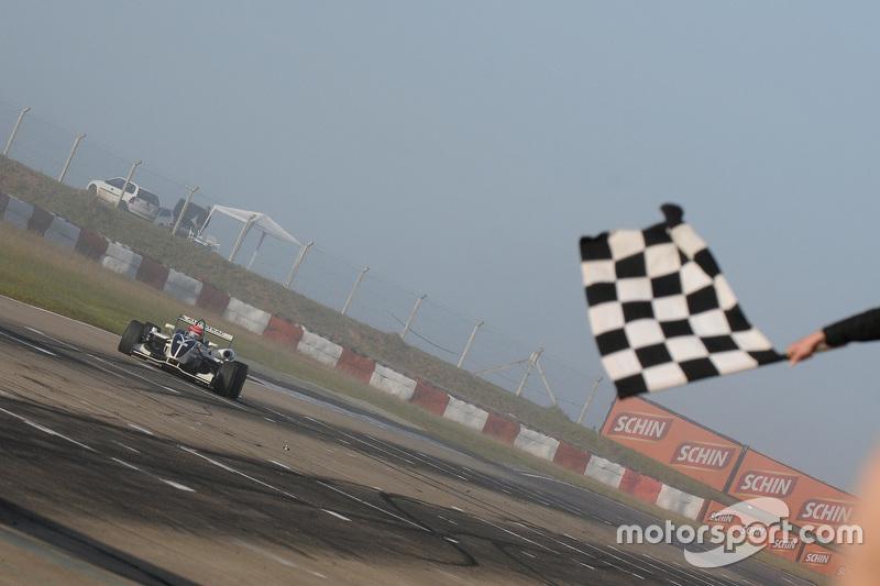 Piquet vence outra em Santa Cruz do Sul