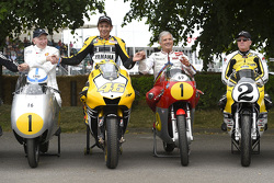 John Surtees, Valentino Rossi, Yamaha Factory Racing, Giacomo Agostini e Kenny Roberts