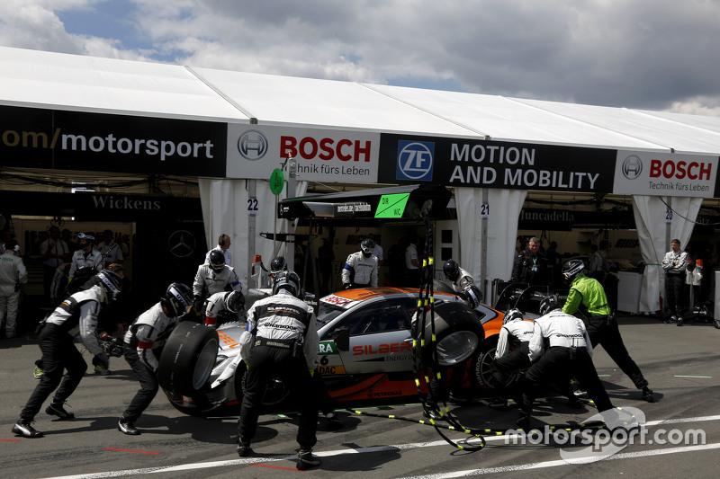Boxenstopp für Robert Wickens, HWA AG, Mercedes-AMG C63 DTM