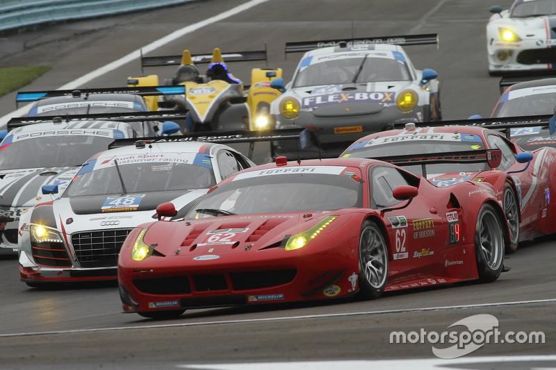 #62 Risi Competizione Ferrari F458: Pierre Kaffer, Olivier Beretta