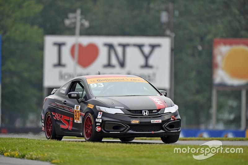 #93 HART Honda Civic Si: Chad Gilsinger, Kuno Wittmer