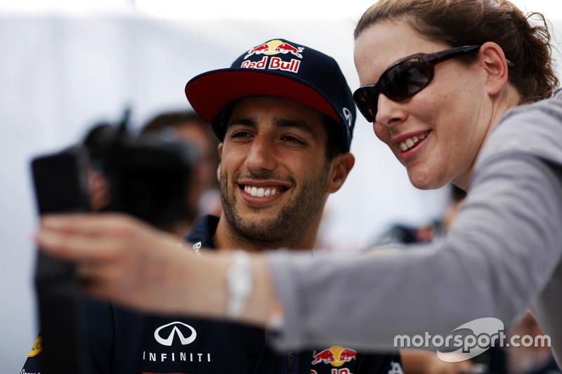 Daniel Ricciardo, Red Bull Racing dengan fans
