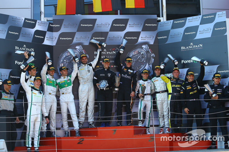 Podium: race winners Albert von Thurn und Taxis, Nicky Catsburg