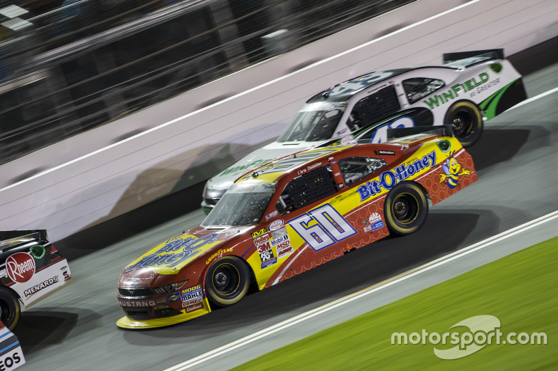 Chris Buescher, Roush Fenway Racing Ford dan Dakoda Armstrong, Richard Petty Motorsports
