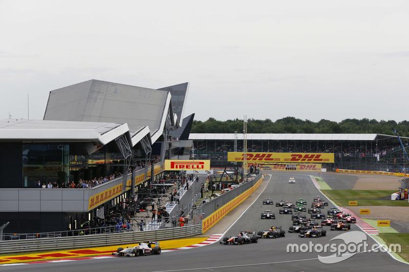 Start: Rio Haryanto, Campos Racing, in Führung