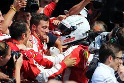 Sebastian Vettel, Ferrari viert derde plaats in parc fermé