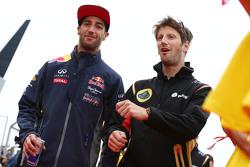 Даниэль Риккардо, Red Bull Racing и Ромен Грожан, Lotus F1 Team на параде пилотов