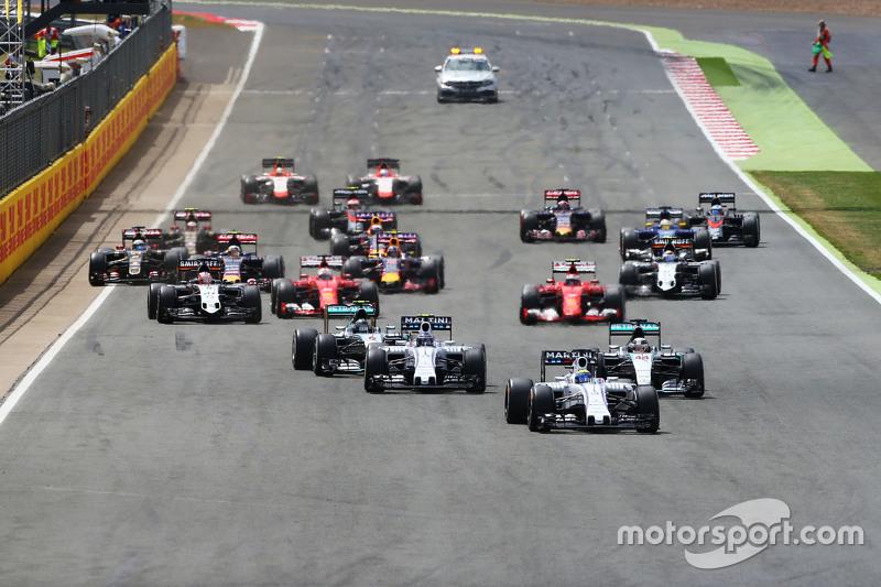 Старт: Фелипе Масса, Williams FW37 лидирует