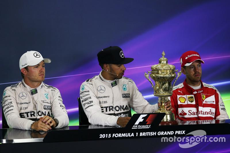 Die FIA-Pressekonferenz nach dem Rennen: 2. Nico Rosberg, Mercedes AMG F1; 1. Lewis Hamilton, Merced
