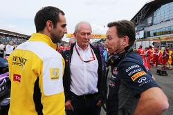 Сириль Абитбуль, управляющий директор Renault Sport F1, доктор Хельмут Марко, консультант Red Bull M