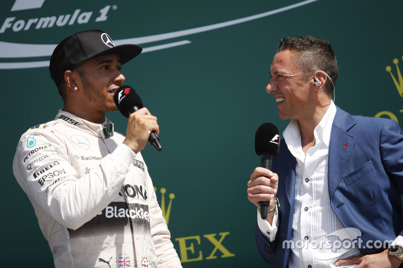 The podium,: Race winner Lewis Hamilton, Mercedes AMG F1 with Frankie Dettori,