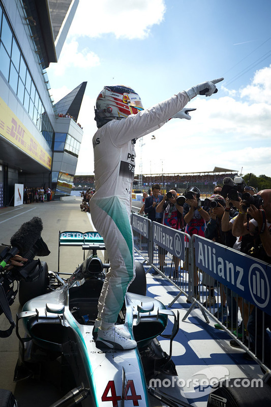 Winnaar Lewis Hamilton, Mercedes AMG F1 Team