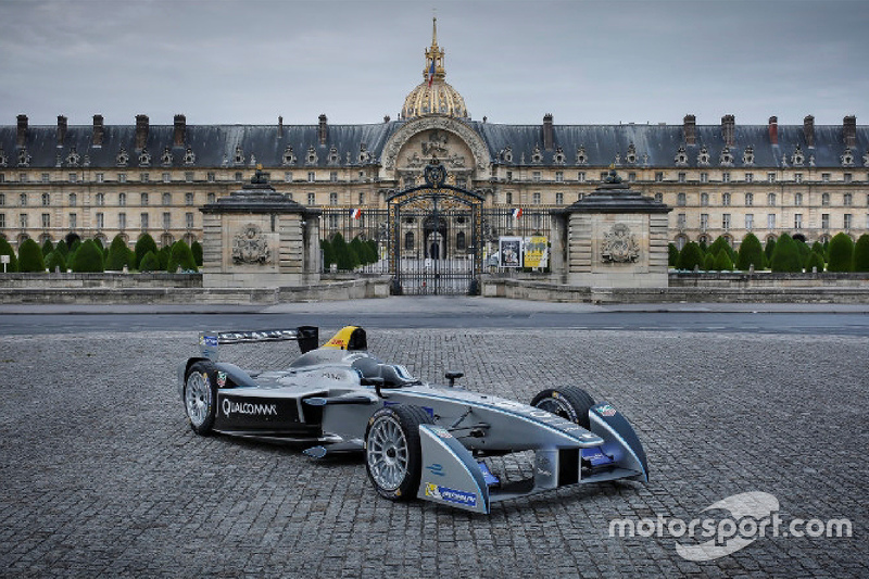 Formula E car in Paris