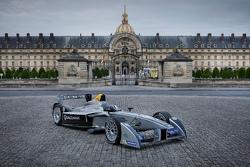Машины Formula E в париже