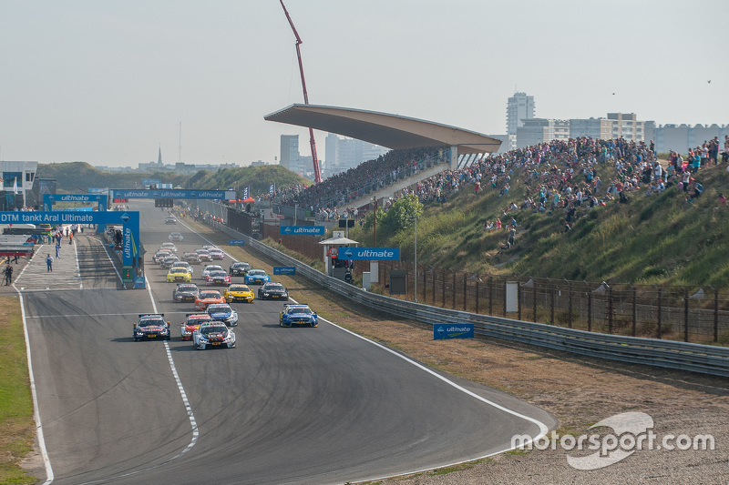 Start: Marco Wittmann, BMW Team RMG BMW M4 DTM memimpin