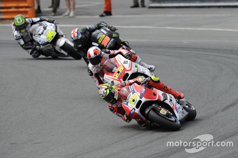 Andrea Iannone, Ducati Team dan Yonny Hernandez, Pramac Racing Ducati dan Bradley Smith, Tech 3 Yamaha and Cal Crutchlow, Team LCR Honda